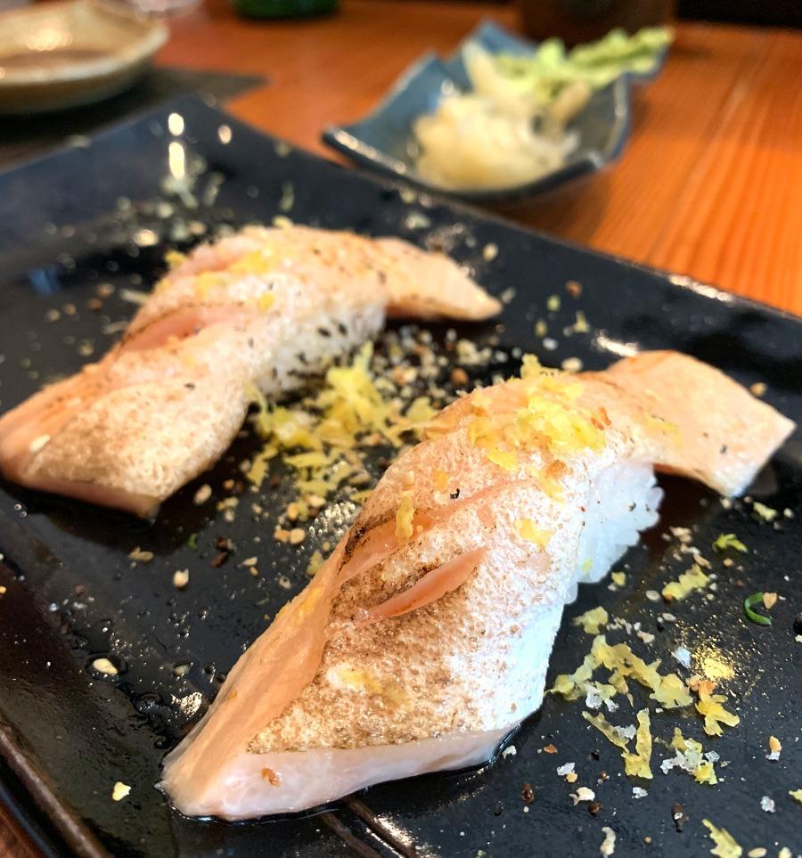 Sushi de Salmão Massaricado